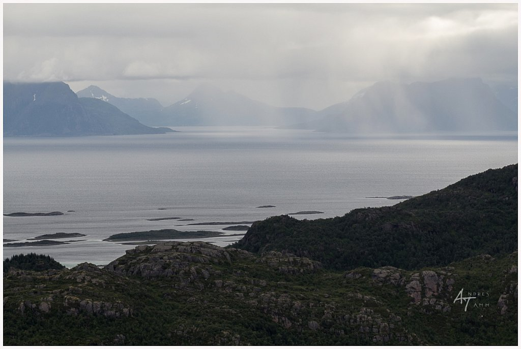 Valgusemängud fjordis